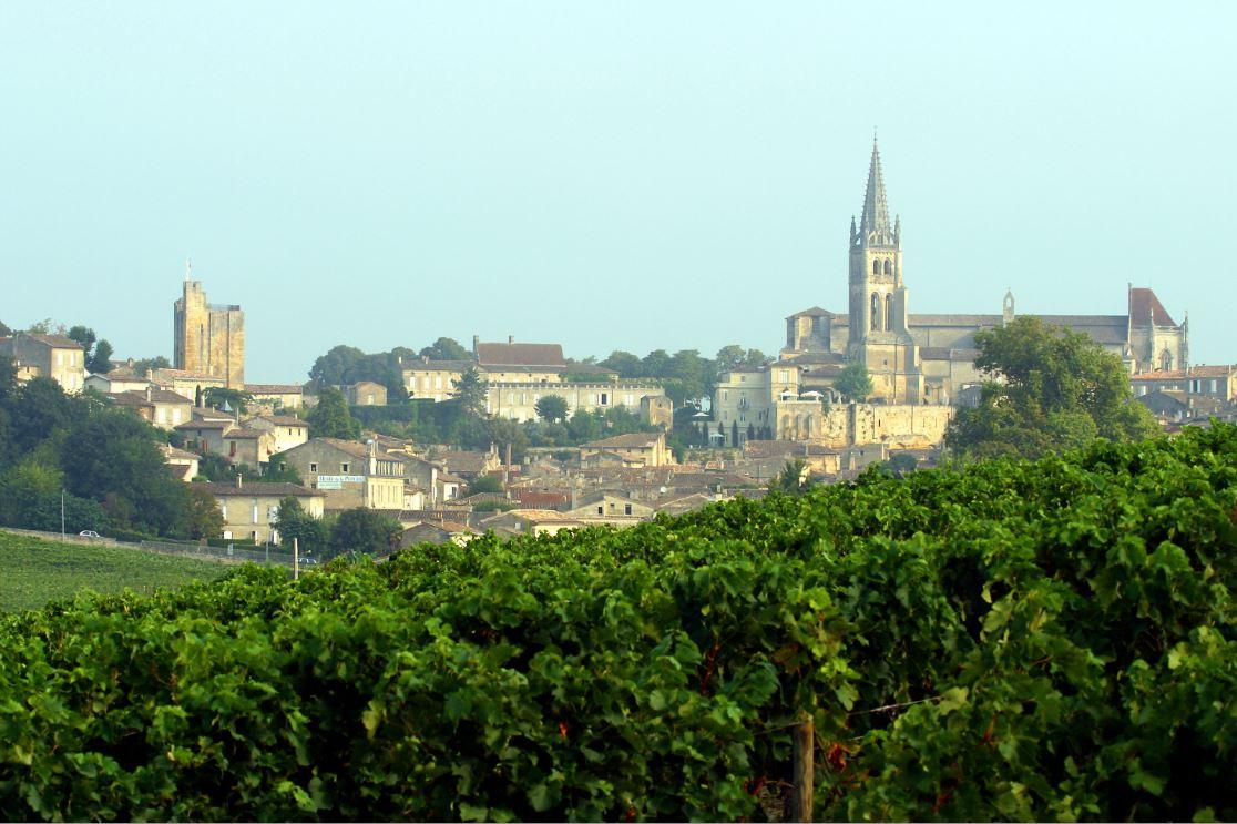 Village et vignoble de Saint-Emilion - vignoble de Bordeaux, Gironde (33) © CRTA - Laurent Reiz